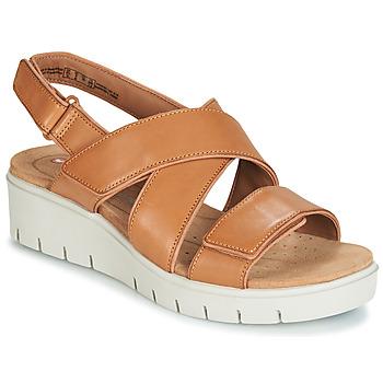 Čevlji  Ženske Sandali & Odprti čevlji Clarks UN KARELY DEW Kostanjeva