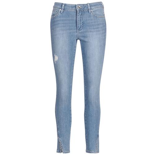 Oblačila Ženske Jeans 3/4 & 7/8 Armani Exchange HELBIRI Modra / Svetla