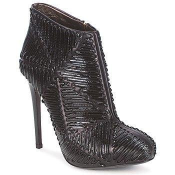 Čevlji  Ženske Gležnjarji Roberto Cavalli QPS566-PN018 Črna