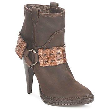 Čevlji  Ženske Gležnjarji Roberto Cavalli QPS577-PK206 Kostanjeva