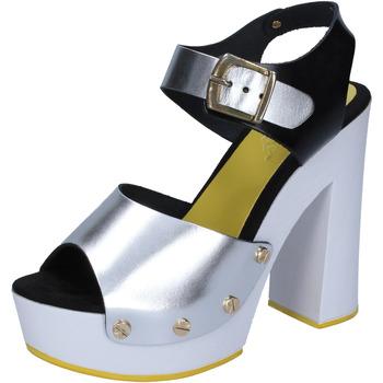 Čevlji  Ženske Salonarji Suky Brand sandali argento nero pelle BS16 Argento