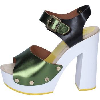 Čevlji  Ženske Salonarji Suky Brand sandali verde nero pelle BS18 Verde