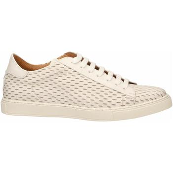 Čevlji  Moški Čevlji Derby Brecos VITELLO bianco