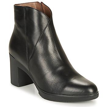 Čevlji  Ženske Gležnjarji Wonders M3727-VELVET-NEGRO Črna