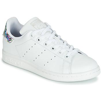 Čevlji  Deklice Nizke superge adidas Originals STAN SMITH J Bela / Srebrna