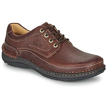 Čevlji  Moški Čevlji Derby Clarks NATURE THREE Kostanjeva