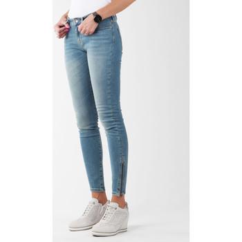 Oblačila Ženske Jeans skinny Wrangler Skylark W27F4072F blue