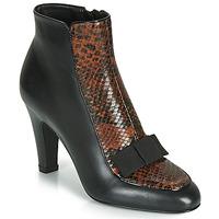 Čevlji  Ženske Gležnjarji André LA DISCRETE Črna