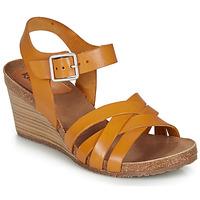 Čevlji  Ženske Sandali & Odprti čevlji Kickers SOLYNA Kamel
