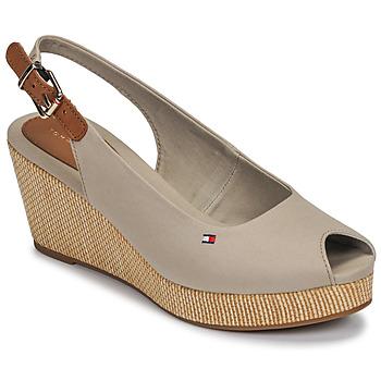 Čevlji  Ženske Sandali & Odprti čevlji Tommy Hilfiger ICONIC ELBA SLING BACK WEDGE Taupe