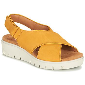 Čevlji  Ženske Sandali & Odprti čevlji Clarks UN KARELY SUN Gorčica