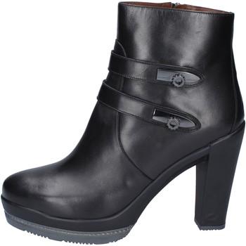 Čevlji  Ženske Gležnjarji Guardiani Gležnarji BN363 Črna