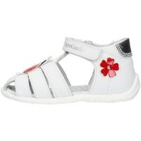 Čevlji  Deklice Sandali & Odprti čevlji Nero Giardini E018090F White