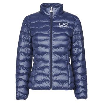 Oblačila Ženske Puhovke Emporio Armani EA7 TRAIN CORE LADY W LT ECO DOWN JCKT Modra
