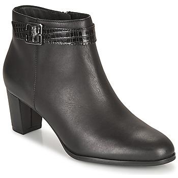 Čevlji  Ženske Gležnjarji Clarks KAYLIN60 BOOT Črna