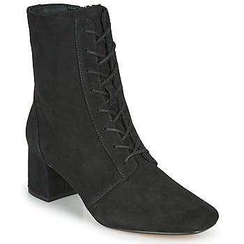 Čevlji  Ženske Gležnjarji Clarks SHEER55 LACE Črna