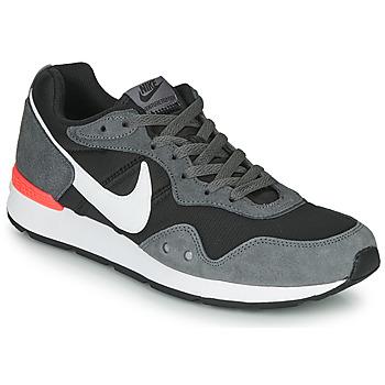 Čevlji  Moški Nizke superge Nike VENTURE RUNNER Črna / Siva / Bela