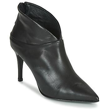 Čevlji  Ženske Salonarji Betty London NAMELI Črna