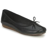 Čevlji  Ženske Balerinke Clarks FRECKLE ICE Črna