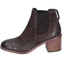 Čevlji  Ženske Gležnjarji Moma BK149 Rjav