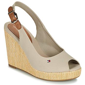 Čevlji  Ženske Sandali & Odprti čevlji Tommy Hilfiger ICONIC ELENA SLING BACK WEDGE Taupe