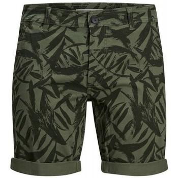 Oblačila Moški Kratke hlače & Bermuda Produkt Takm chino 12171311 Zelena