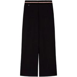 Oblačila Ženske Lahkotne hlače & Harem hlače NeroGiardini E060060D Črna