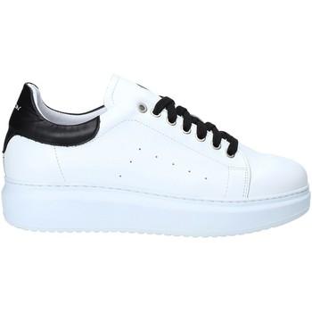 Čevlji  Moški Nizke superge Exton 955 Črna