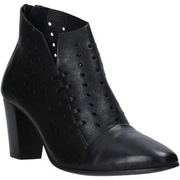 Čevlji  Ženske Gležnjarji Mally 6878 Črna