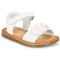 Čevlji  Deklice Sandali & Odprti čevlji Kickers DYASTAR Bela