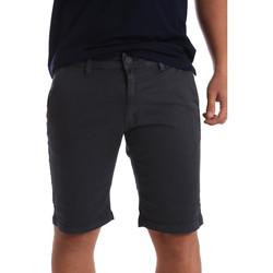Oblačila Moški Kratke hlače & Bermuda Navigare NV56001 Siva