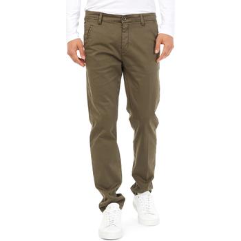 Oblačila Moški Hlače Chino / Carrot Gas 360704 Zelena
