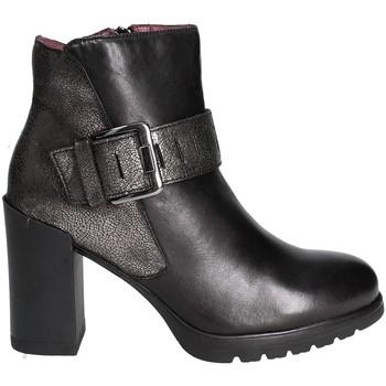 Čevlji  Ženske Gležnjarji Stonefly 109414 Črna