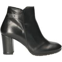 Čevlji  Ženske Gležnjarji Mally 5017S Črna
