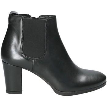 Čevlji  Ženske Gležnjarji Mally 5500K Črna