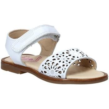 Čevlji  Deklice Sandali & Odprti čevlji Pablosky 0533 Biely