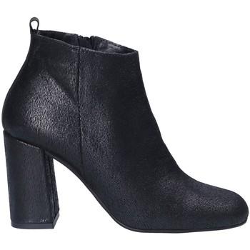 Čevlji  Ženske Nizki škornji Keys 7172 Črna