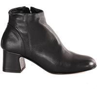 Čevlji  Ženske Gležnjarji Mally 6357 Črna