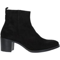 Čevlji  Ženske Gležnjarji Marco Ferretti 172412MF Črna