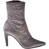 Čevlji  Ženske Gležnjarji Elvio Zanon I2906X Siva