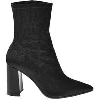 Čevlji  Ženske Gležnjarji Elvio Zanon I3104X Črna