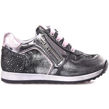 Čevlji  Deklice Nizke superge NeroGiardini A820630F Siva