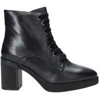Čevlji  Ženske Gležnjarji Stonefly 212033 Črna