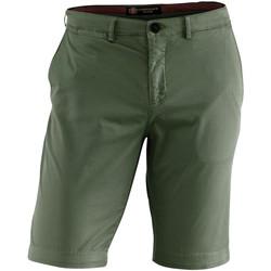 Oblačila Moški Kratke hlače & Bermuda Lumberjack CM80647 002 602 Zelena