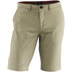 Oblačila Moški Kratke hlače & Bermuda Lumberjack CM80647 002 602 Bež