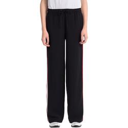 Oblačila Ženske Spodnji deli trenirke  Calvin Klein Jeans J20J206906 Črna