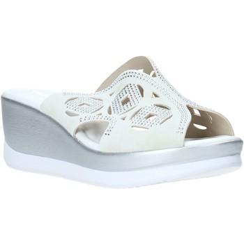 Čevlji  Ženske Natikači Valleverde 32150 Biely