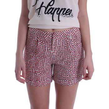Oblačila Ženske Kratke hlače & Bermuda Gaudi 73BD25209 Bež