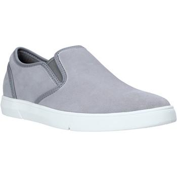 Čevlji  Moški Slips on Clarks 26141135 Siva