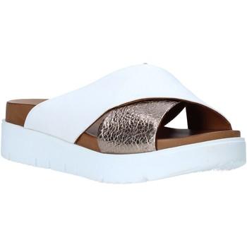 Čevlji  Ženske Natikači Bueno Shoes N3408 Biely